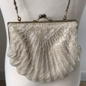 Vintage Cream Clamshell Purse- La Regal